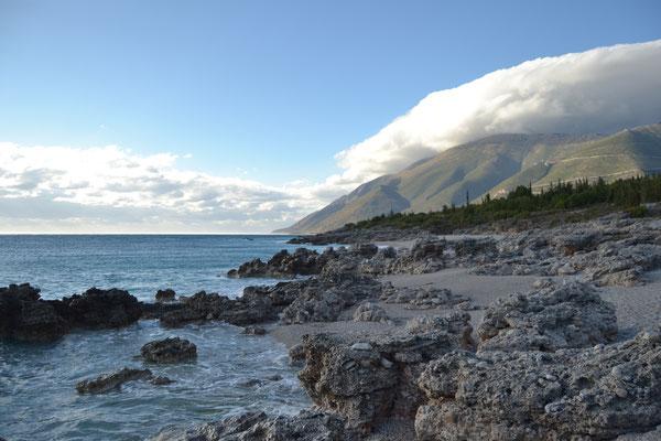 Ein weiterer Küstenabschnitt, an dem wir ungestört zelten