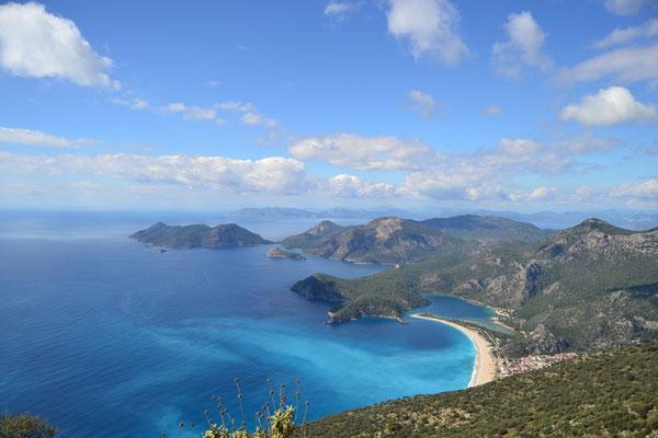 Blick vom lykischen Weg: Türkeis bekanntester Strand, Ölüdeniz