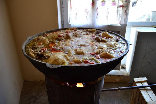 Plow: ein beliebtes Gericht in Zentralasien