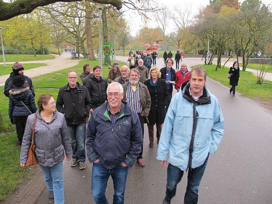Wandeling door het Vondelpark richting Pijpenkabinet en Stadswandeling.