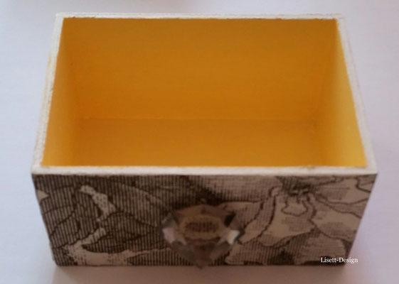 12. Holz Box 2,90 € (***)