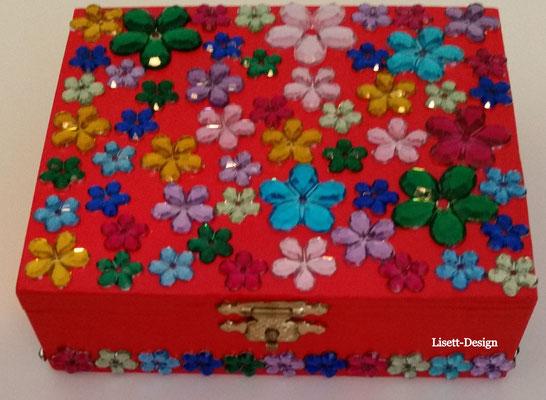 17. Holz Box mit Plastik-Glas Blümchen 4,90 €  (***)