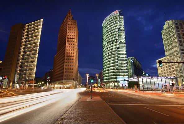BERLIN - NIGHTTRAFFIC