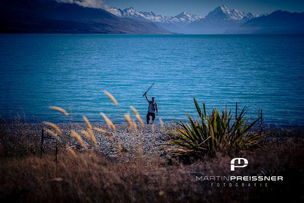 Am Lake Pukaki