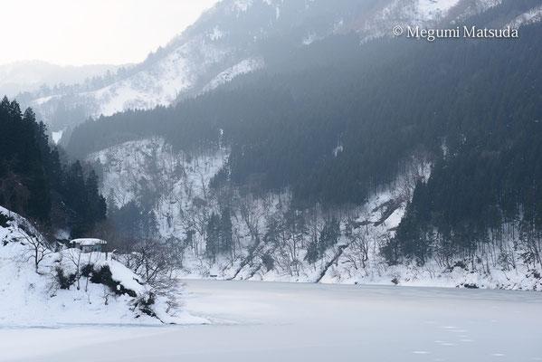 冬の室牧ダム(富山市)