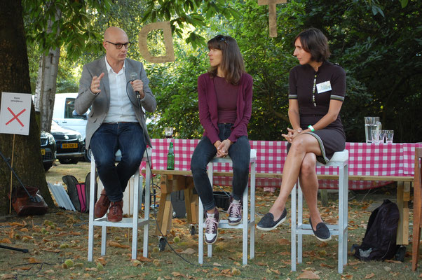 Talkshow over vakjournalistiek met Sjors de Vries, Kirsten Hannema en Marieke Berkers.