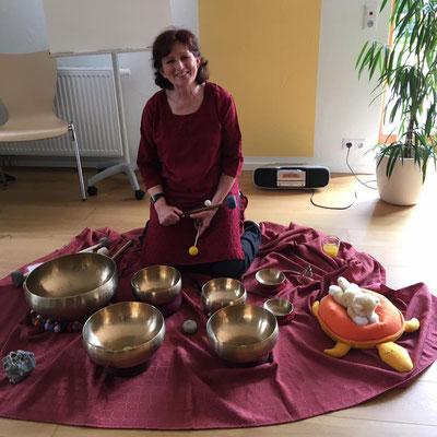 Gisela Feist - Klangschalenmeditation