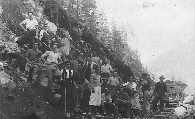 Lavoratori alla miniera di Pralungo