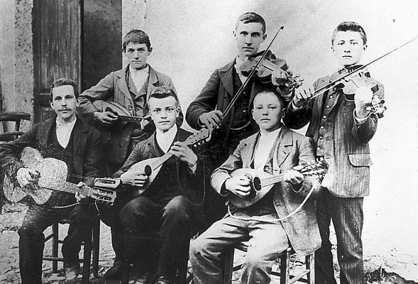 Musicisti, 1905.