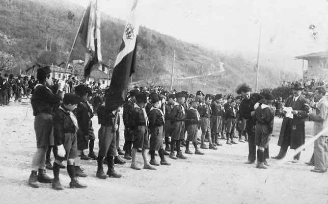 Vigo Meano anni '30. Saggio ginnico fascista. Da Camillo Stenico