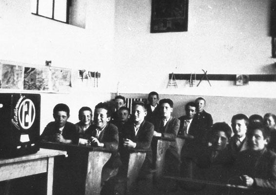 Foto in classe, anni '30.