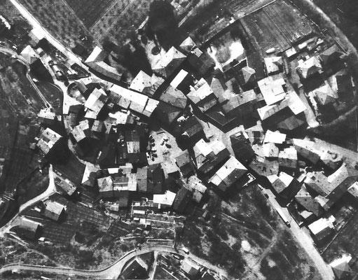 13. Veduta aerea di Meano, primi anni '80. Da Mirko Saltori da Sergio Uber