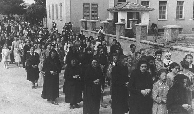 15.08.1944: processione dell'Assunta a Vigo Meano