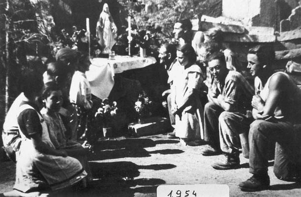 1954. Madonna di Lourdes nelle cave di Camparta