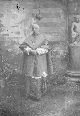 Valfrè di Bonzo Teodoro: nato a Cavour il 21 agosto 1853 e morì a Roma il 25 giugno 1922, soggiornò ripetutamente a Meano presso il casato Salvadori Lodron negli anni '20.