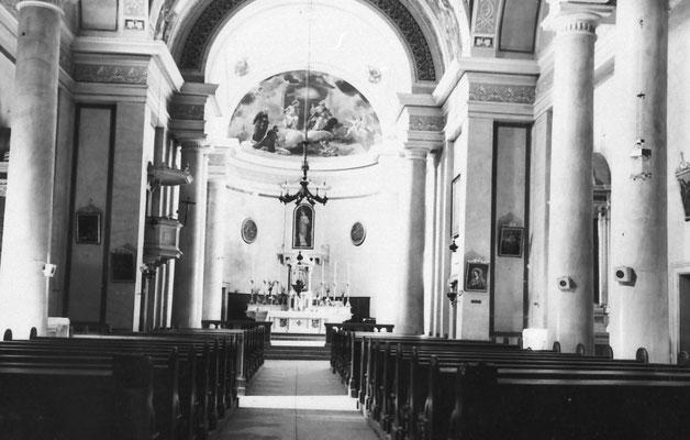 44. Interno chiesa di Vigo Meano. Anni '60 - '70