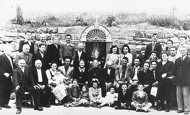 Da sinistra: Guido Bortolotti, Giacomo Saltori, Gemma Saltori, Emilio Oliver, Amalia Bortolotti, Giuseppina Cristofoletti, Lino Bortolotti, Adolfo Bortolotti