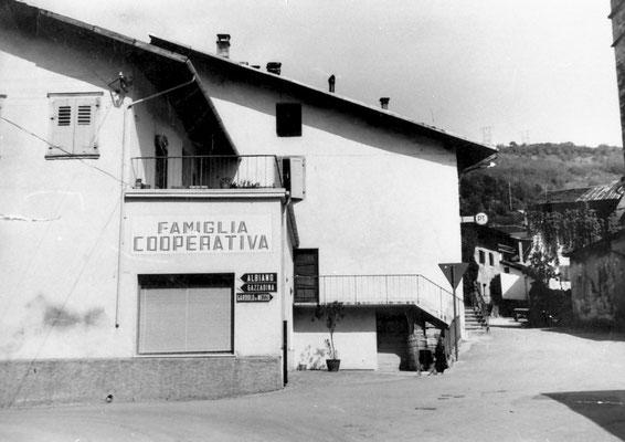 11. Cooperativa di Meano dopo i lavori, primi annii '60. Da Mirko Saltori da Lucia Magotti