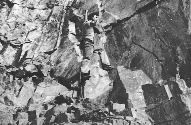 Uomo fra la roccia. Da Gino Vitti.