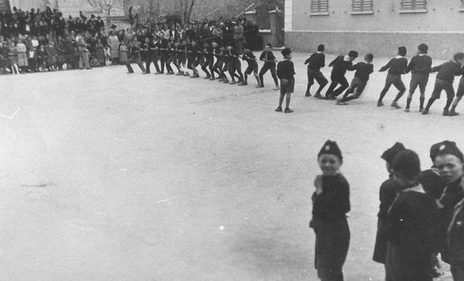 Vigo Meano anni '30. Saggio ginnico fascista. Da Renato Saltori