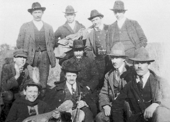 Carnevale a Gazzadina, 1921. Da Famiglia Leonardi.
