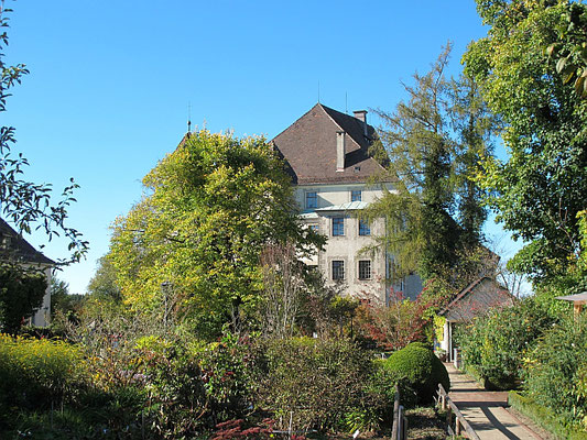 Bad Grönenbach: Kreislehrgarten mit Schloss