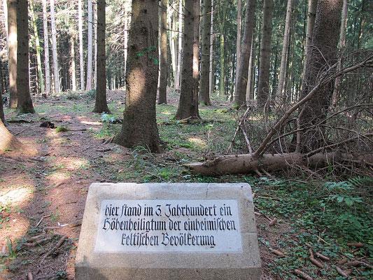 Kronburg-Oberbinnwang (Hohenrain: Keltisches Höhenheiligtum)