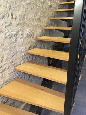 Marches d'escalier en chêne , découpe selon plan du client