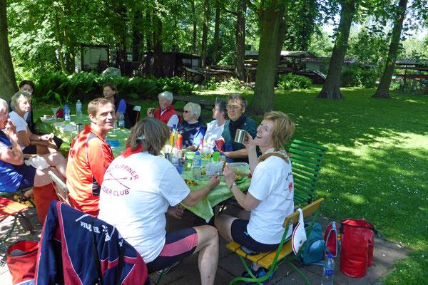 dann gibt es unser leckeres Picknick.