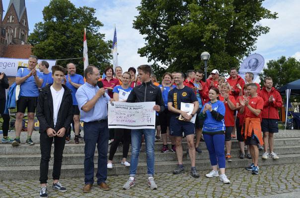 Die Puschkin Schüler hatten gesammelt.