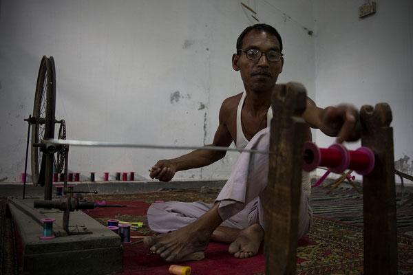 Fabbrica della seta a Varanasi _ India 2016
