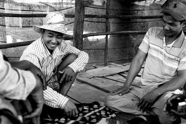 Macchinisti del Bamboo Train in pausa_Cambogia 2015