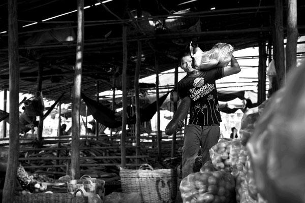 Mercato ortofrutticolo a Kompoung Chhnan_Cambogia 2015