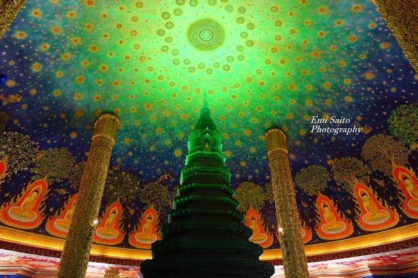 「ナショナル・ジオグラフィック」のサイトに掲載されたバンコクのワット・パークナム
