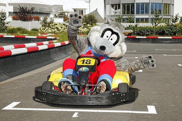 Tom – Der Waschbär – Maskottchen und Kartbahn