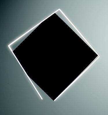 "François Morellet, ""Négatif n° 9"", 2009, 2/3, Acryl auf Leinwand auf Holz, weiße Neonröhre, 147 x 147 cm. Sammlung Maximilian und Agathe Weishaupt"