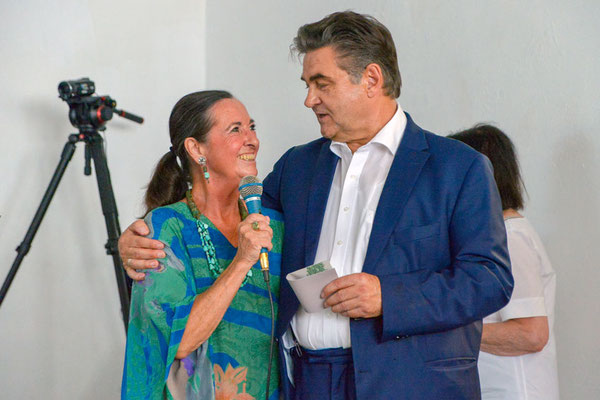 Vorstandsvorsitzende Elisabeth Claus und OB Klaus Herzog