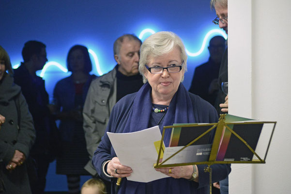 Einführung in die Ausstellung durch die Kuratorin Renate Bender