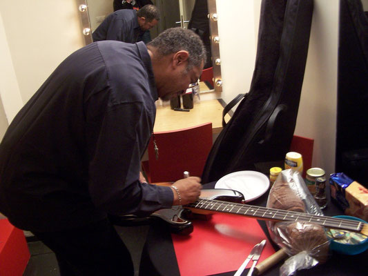 George Porter Jr. signs my Squier Precision Bass2 - Paradiso, Amsterdam