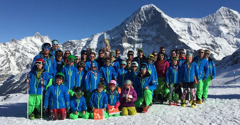 Skiclub Lungern vor dem Eiger