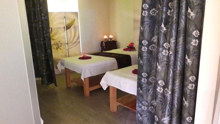Thaimassage, Wellnessmassage, Wellness, Hotstone Massage, Kräuterstempelmassage, Aromatherapie, Sportmassage, Office-Syndrom-Massage, Rücken-Schulter-Nacken-Massage, Fußreflexzonenmassage