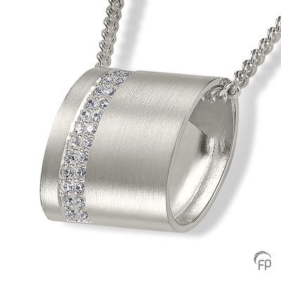 925 Sterling Silber = 307,00 EUR (ohne Kette)