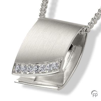 925 Sterling Silber = 217,00 EUR (ohne Kette)