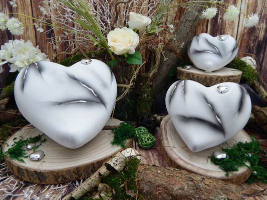 Weiß/Anthrazit marmoriert 0,55 L = 120,00 EUR, 1,25 l = 139,00 EUR, 2,50 l = 160,00 EUR