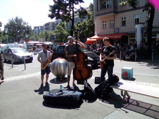 Street Music in der Maaßenstraße.
