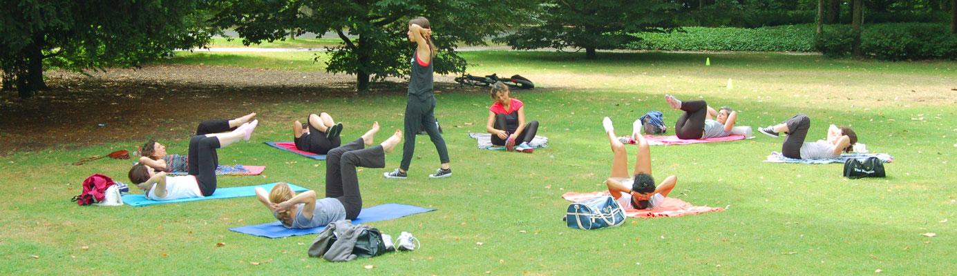 Séance Pilates au parc bordelais