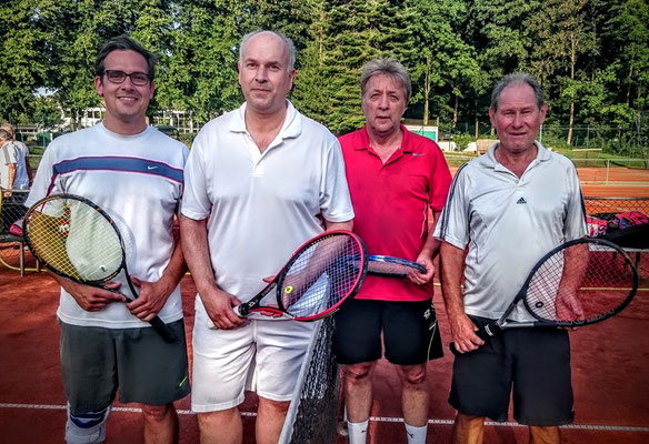 Herren-Doppel von links: Uwe Jürgens, Stefan Enders,Gerd Christiani, Dieter Magath