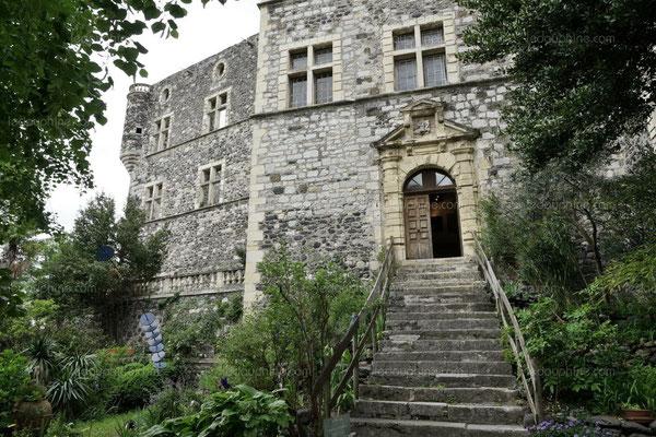 Le chateau d' Alba la Romaine