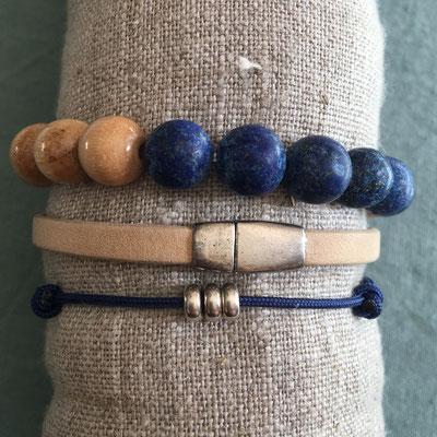 Bracelets perles lapis lazuli dépolie et bois sur élastique 13€, cuir sur commande 25€ et perles argent 925 sur cordon marine réglable 18€