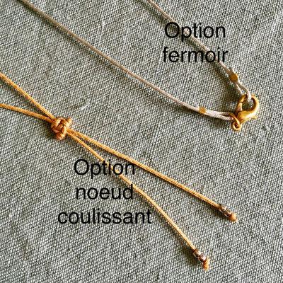 Finition des colliers avec noeud coulissant réglables ou avec fermoir